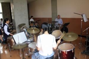 ドラム参加生徒8名 講師水口泰邦氏