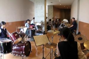 ドラム参加生徒8名講師関根崇氏