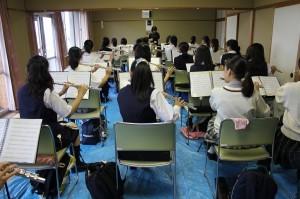 フル-ト参加生徒24名講師小島のり子氏