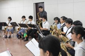 サックス参加生徒36名講師川嶋哲郎氏